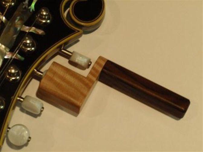 string winder for mandolin mandolin store. Black Bedroom Furniture Sets. Home Design Ideas